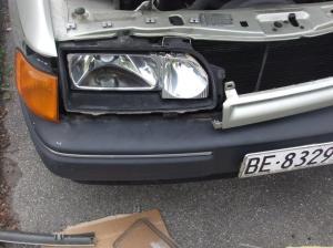 Ford Scorpio Schweinwerferglas wechseln 005