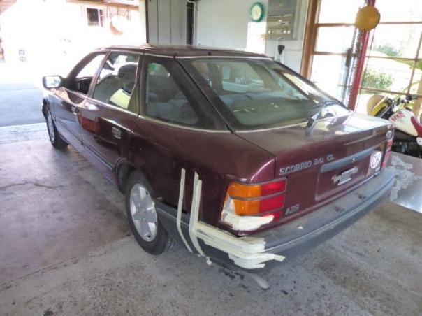Ford Sierra und Foto Hallenräumung 001