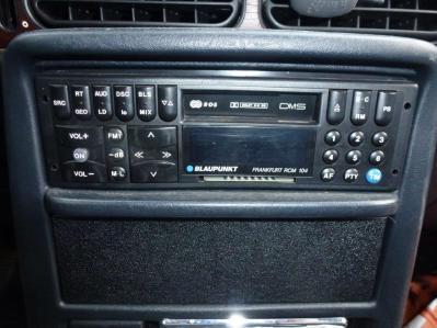 Aus- und Einbau-Autoradio 012