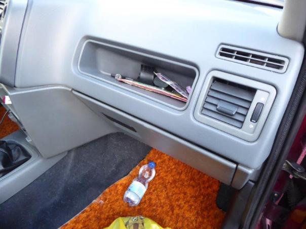 Ford Sierra Motor und Innenraum 045