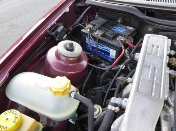 Ford Sierra Motor und Innenraum 049