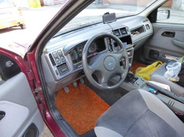Ford Sierra Motor und Innenraum 056